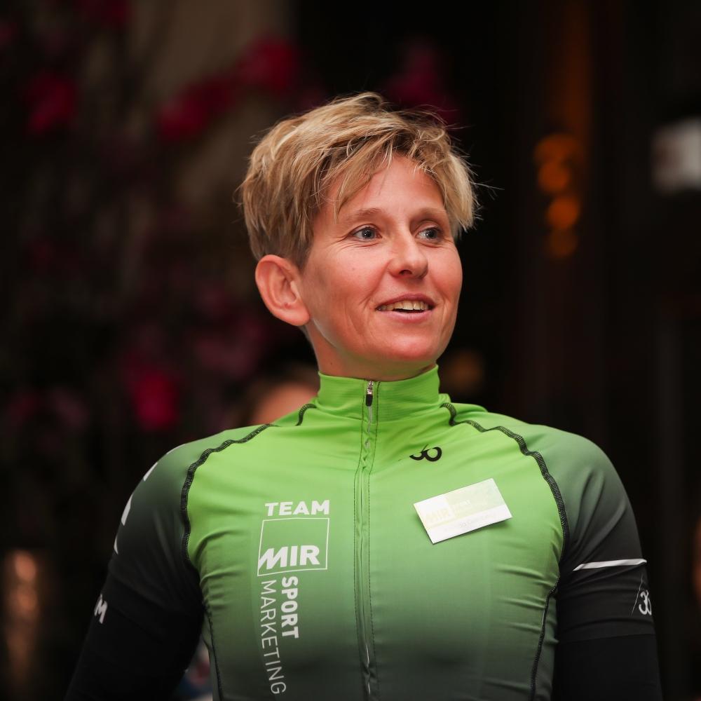 Arenda Grimberg - MIR Sportmarketing - In het wiel van een prof