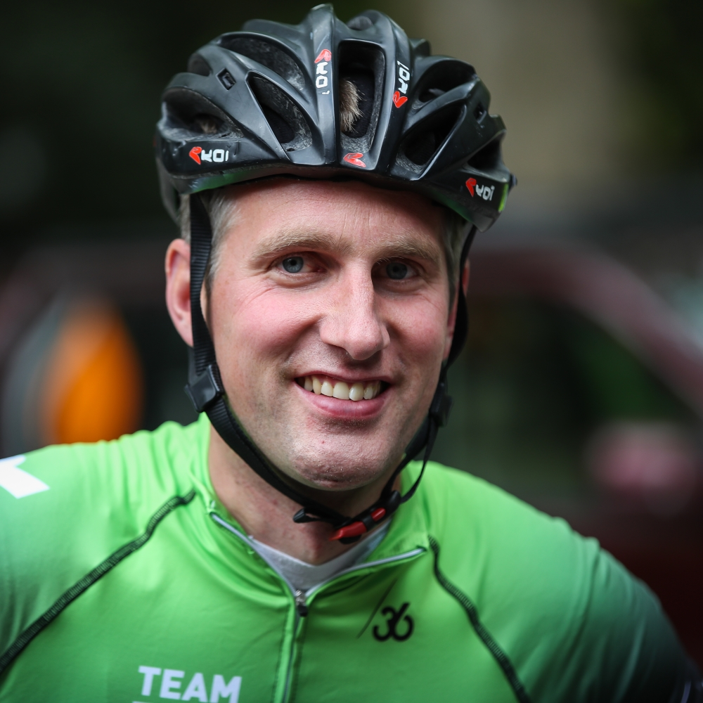 Arnoud van Groen - MIR Sportmarketing - In het wiel van een prof