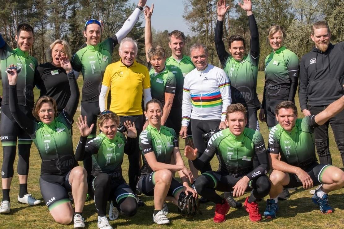 MIR Sportmarketing - Ons team van ex-profs - In het wiel van een prof